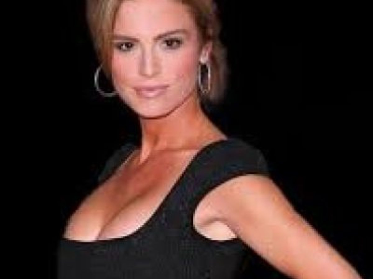 Betsy Russell Net Worth